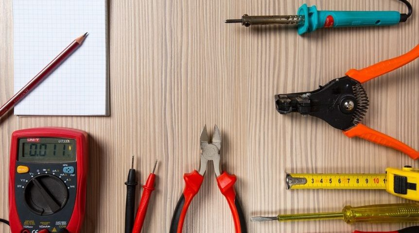 5 steps to choosing the right electrician in Gloucestershire